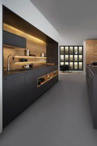 donkergrijze gietvloer moderne keuken